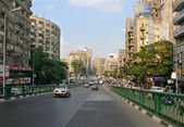 Cairo city center. Road with car riding on it in Cairo, Egypt - November 9, 2008. Architectural structures. — Stock Photo