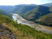 Blue Nile, in the Canyon. Landscape of mountains around. Africa, Ethiopia. — Stok fotoğraf