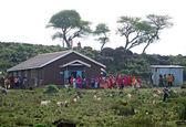 VOI, KENYA - NOVEMBER 29, 2008: Christian missionaries treat the — Stock Photo