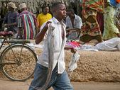 Mtwara, tanzanie - prosinec 3, 2008: rybí trh. — Stock fotografie