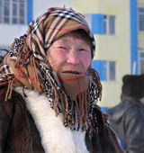 Nadym, Russia - March 11, 2005: Unknown woman - Nenets woman, cl — Stock Photo
