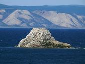 The Nature Of Baikal. Lake Baikal and a beautiful sky. Mountains — Stock Photo