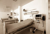 Therapeutic and diagnostic rooms with medical equipment — Stock Photo