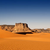 Bizarre sandstone cliffs in Sahara Desert — Stock Photo