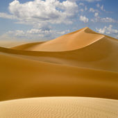 Libyan Desert. Dense gold dust, dunes and beautiful sandy — Stock Photo