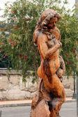 большая резьба по дереву — Стоковое фото