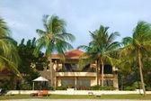 небольшой отель в тропиках — Стоковое фото