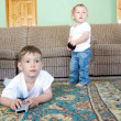 two kids watching tv — Stock Photo