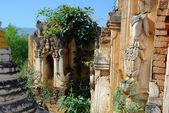 Abandoned temple — Stock Photo