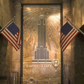 Entrance hall of empire state building, nyc, usa — Stock Photo