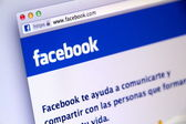 Spanish Facebook Sign-in Page used by Millions of Users Around the World — Foto de Stock