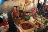 Traditional Food Stalls at the Sprawling Klungkung Market — Stock Photo