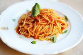 Spaghetti z pomidorami — Zdjęcie stockowe