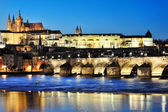 Charles Bridge and Prague castle by night — Stock Photo