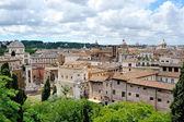 屋根およびローマのカンピドリオからのドーム — ストック写真