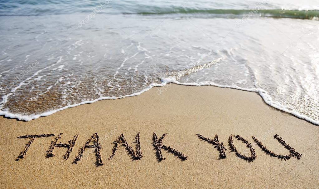 Escritura De La Mano Te Amo En La Arena Y La Playa Imagen: Gracias A Tu Palabra Dibujado En La Arena De La Playa