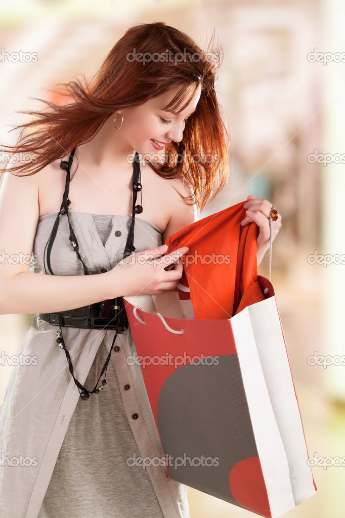 Beautiful young women shopping  — Stock Photo #13159894