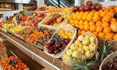 Shelf with fruits — Stock Photo