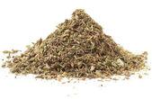 кучи сухих трав, приправа, макросъемки, изолированные — Стоковое фото