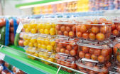 Cherry tomatoes in supermarket — Stock Photo