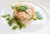 Seabass tartare with parsley and pesto — Stock Photo