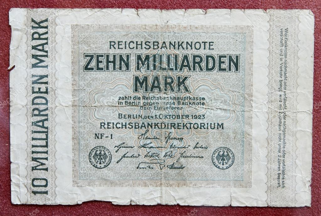 Hyper inflation german money - 10 billion marks!  Stockfoto #13178013