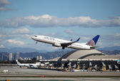United Airlines Boeing 737-824 — Stock Photo