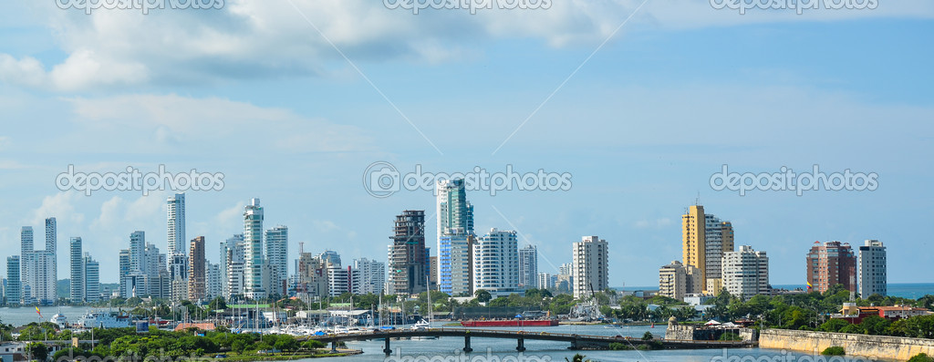 Cartagena's modern skyline as seen from Castillo de San Felipe de Barajas — Stock Photo #12565322