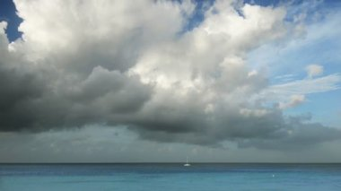 Romantic lonely sailing yacht in the Caribbean Sea — Stock Video