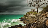 Panoramic view of the old Watchtower in the ancient city of Tulu — Stock Photo