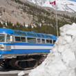 Columbia icefield, snowcoach — Stock Photo