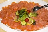 Piatto di salmone affumicato — Foto Stock