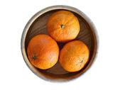 Tazón de fuente con tres mandarinas — Foto de Stock