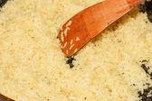 Stekpanna med ris — Stockfoto
