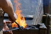 Para malhar enquanto o ferro está quente — Foto Stock