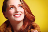 Autumn woman fresh girl glamour brown hair eye-lashes joyful smi — Stock Photo