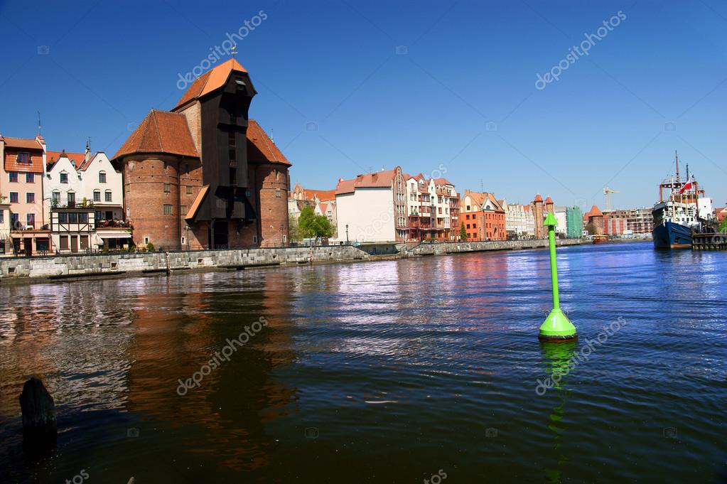 Old port in gdansk -  the free city of Gdansk - 2009 Danzig, Poland, famous wooden crane from the 13th century — Stock Photo #14952813