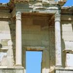 kolommen celsus bibliotheek - oude ephsus Turkije — Stockfoto