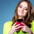 Happy girl with mobile phone reads message — Foto de Stock