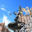 Neptune Fountain and city hall in Gdansk, Poland — Stock Photo #24075529