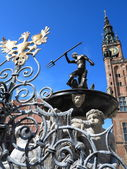 Neptune Fountain and city hall in Gdansk, Poland — Stock Photo