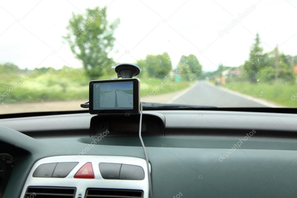 appareil gps de voiture satellite navigation system photographie voyagerix 30007007. Black Bedroom Furniture Sets. Home Design Ideas
