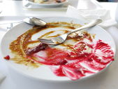 Prato vazio sujo depois do jantar. — Foto Stock