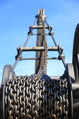 Old rusty chain and crane industry machine — Stock Photo