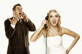 Wedding fury couple phone yelling, relationship difficulties — Stock Photo