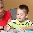 Mother and son drawing together — Foto Stock
