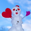 Little happy valentine snowman red heart paper card outdoor. Winter. — Stock Photo