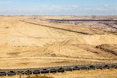 露天褐煤矿。带式输送机. — 图库照片