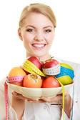 врач диетолог рекомендует здоровую пищу — Стоковое фото