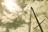 Yacht mast against summer sky. — Stock Photo